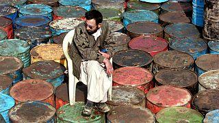 سقوط ۶۳ درصد قیمت نفت ایران در سال ۹۸؛ تاثیر کرونا بر کاهش درآمد دولت چقدر است؟