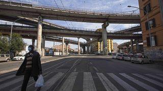 Опустевшие улицы Рима.