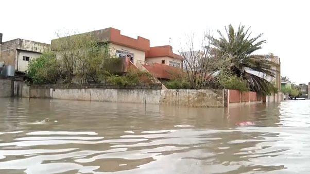 شاهد: فيضانات عنيفة تضرب محافظة الموصل العراقية