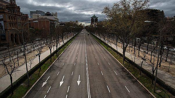 Coronavirus: Madrid è deserta, il dramma degli anziani soli