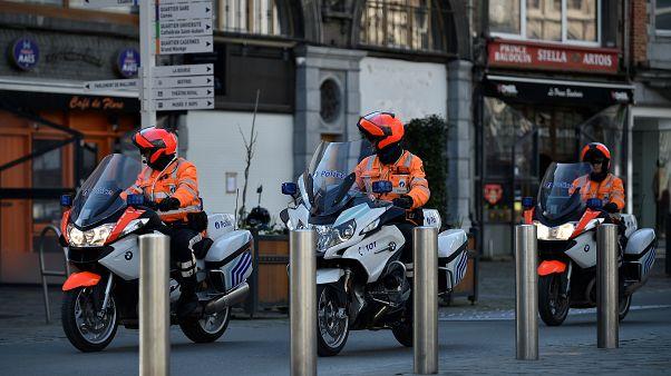 كيف تعمل دوريات الأمن البلجيكية لمراقبة احترام تعليمات الحجر التام؟