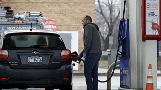 Petrol fiyatlarını koronavirüs (Covid-19) ve Rusya-Suudi Arabistan restleşmesi vurdu