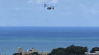 طائرة أميركية تابعة للبحرية من طراز أوسبري تقلع من مقر السفارة الأميركية في عوكز (جبل لبنان)