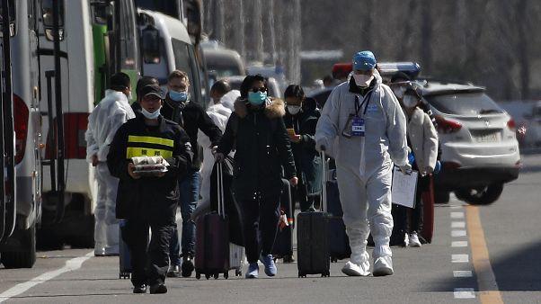 Kínába már külföldről érkezik a koronavírus – köztük Magyarországról is