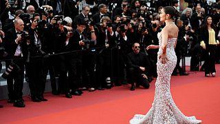 """La actriz y modelo Olivia Culpo a su llegada a la proyección de """"Sibyl"""" en la 72º del Festival de Cannes"""