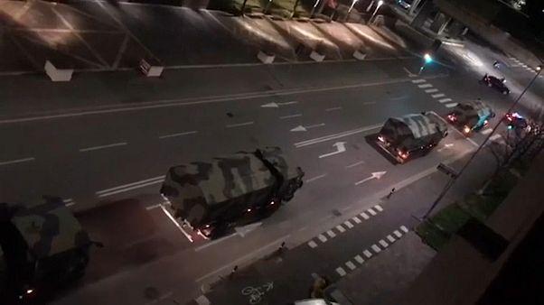 شاحنات عسكرية في طريقها إلى خارج بيرغامو، إحدى أكثر المدن تأثراً بالفيروس
