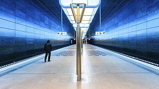 Kaum noch Fahrgäste: Eine leere U-Bahnstation in der Hamburger Hafencity