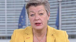 Az EU szerint a határok lezárása nem állítja meg a vírust