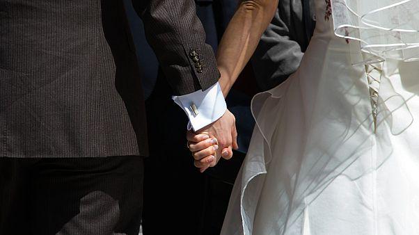 حفل زفاف بالرغم من إجراءات العزل في الضفة الغربية المحتلة