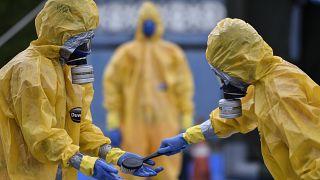 مئات الملايين يخضعون للعزل لمنع انتشار فيروس كورونا