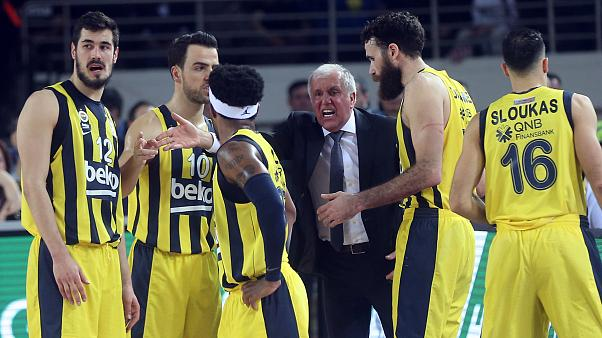 Fenerbahce Basketbol Erkek A Takımı'nda bazı sporcularda koronavirüs belirtisi ortaya çıktı
