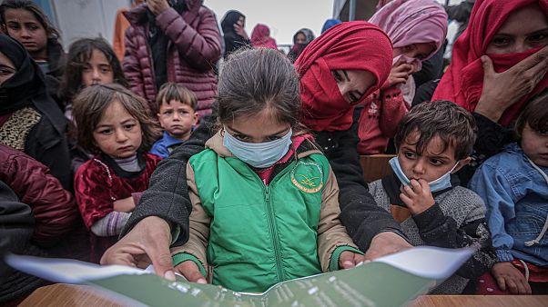 İdlib'de Covid-19 endişesi: 'Bırakın elimizi yıkamayı, insanlar çocuklarını yıkayacak su bulamıyor'
