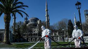 Türkiye'de Covid-19: 65 Yaş üstüne sokağa çıkma yasağı, sokaklar boş