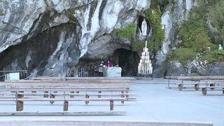 شاهد: صلاة بلا مصلين في مزار سيدة لورد في فرنسا