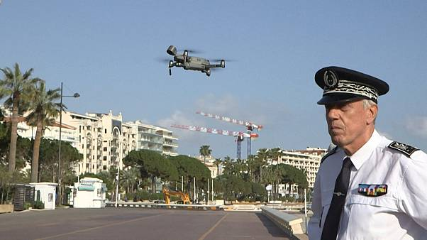 Drone flies over French riviera to enforce confinement
