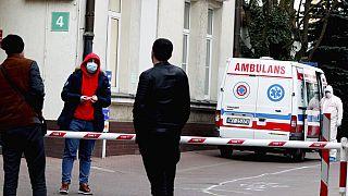 COVID-19: Αυξάνονται τα κρούσματα στην Ανατολική Ευρώπη