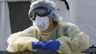 Coronavirus: Londra verso fermo e isolamento forzato dei positivi