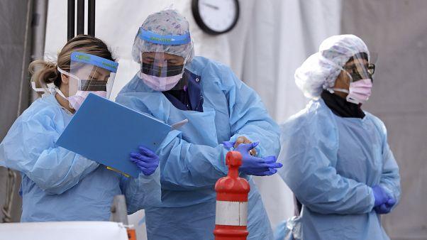 """""""فرز"""" المرضى العبء اليومي لأطباء قسم الإنعاش في المستشفيات"""