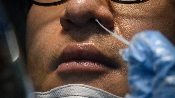 تحاليل الكشف عن فيروس كورونا فيروس