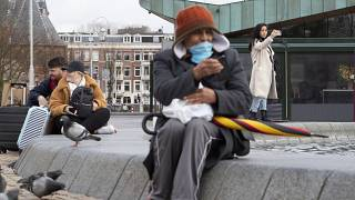 دراسة: الهولنديون لا يعيرون اهتماما لقواعد النظافة والبلاد هدف سهل لانتشار كورونا