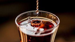 مسمومیت، معلولیت و مرگ؛ وقتی برای فرار از کرونا به الکل پناه میبریم