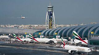 شیوع کرونا؛ امارات تمام پروازهای مسافری و ترانزیت را تعلیق کرد