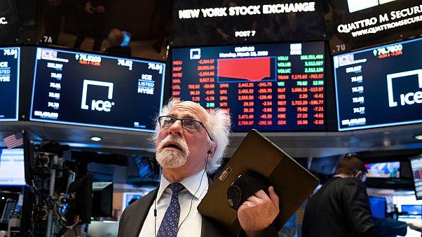 وباء كورونا يواصل إنهاك أسواق المال العالمية