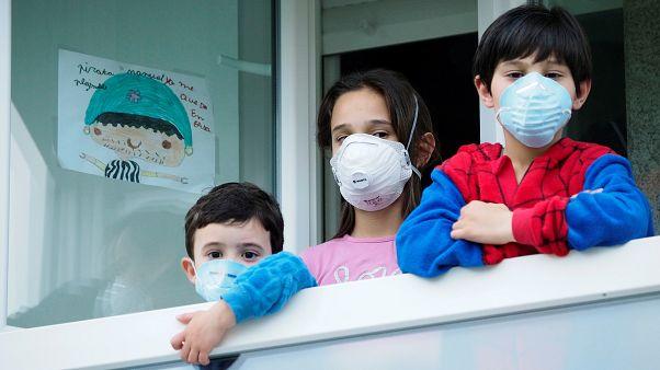 """Pandemia está a acelerar"", alerta OMS"