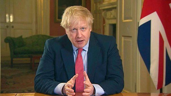 بریتانیا برای مقابله با شیوع کرونا ۳ هفته قرنطینه سراسری اجرا میکند