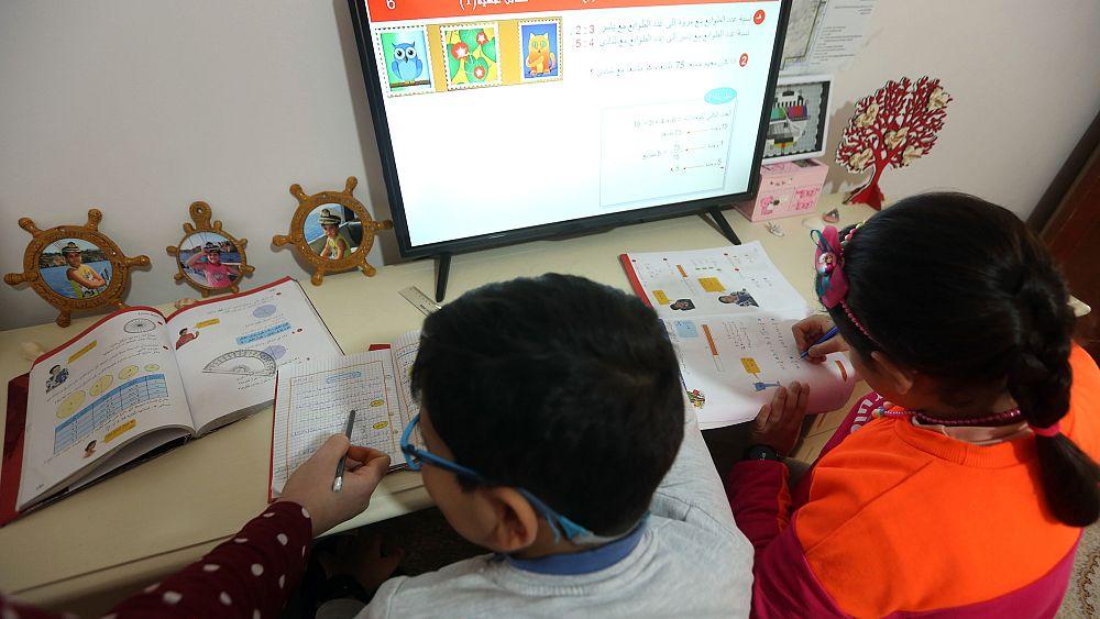 وزارة التعليم تعلن رسمياً إعتماد التعليم عن بُعد خلال الموسم الدراسي المقبل