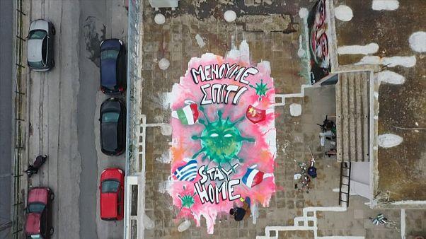No comment: koronavírus-graffiti Görögországban