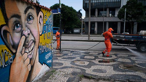 Baixa do Rio de Janeiro durante operação de desinfeção contra o novo coronavírus