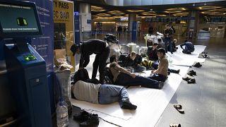 Трудовые мигранты застряли в аэропортах Москвы