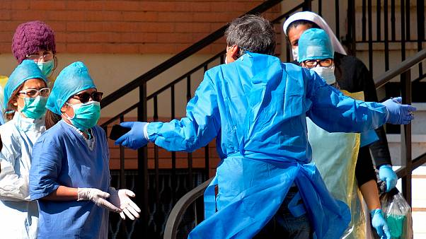 Corpo médico continua sob enorme pressão devido ao novo coronavírus