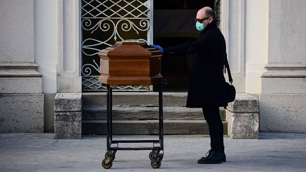 Non-stop work and no protection: Bergamo's funeral houses say 'enough'