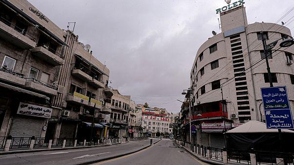 الأردن: اعتقال أكثر من 1600 شخص لمخالفتهم حظر التجول المفروض بسبب وباء كورونا