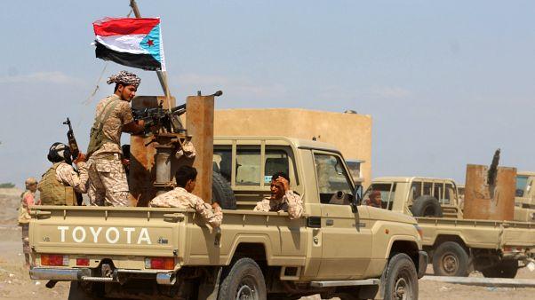 قافلة تعزيزات عسكرية متجهة من مدينة عدن الجنوبية إلى محافظة أبين في اليمن