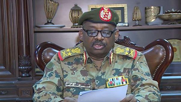 جمال عمر وزير الدفاع السوداني