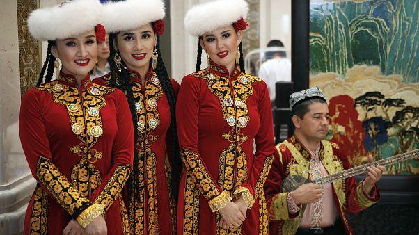 Doğu Türkistanlı sanatçılar (arşiv)