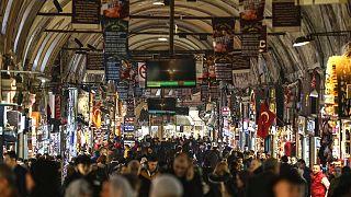 Türkiye'de halkın yüzde 71'e yakını hükümetin koronavirüse karşı aldığı tedbirlerden memnun
