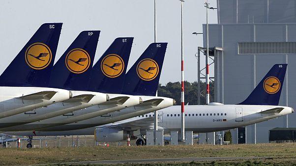 پروازهایی که با کرونا زمینگیر شدند؛ پول مسافران سرگردان را که میدهد؟