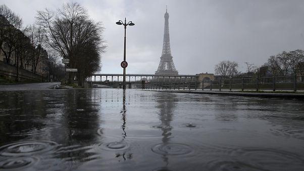 Fransa'nın başkenti Paris'ten geçen Seine Nehri