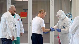Rusya Devlet Başkanı Vladimir Putin, Covid-19 hastalarının tedavi edildiği hastanede
