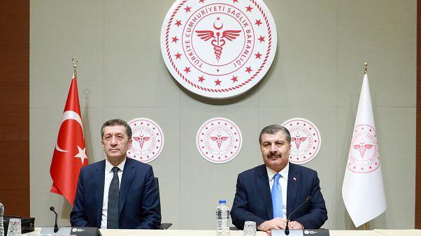 Sağlık Bakanı Fahrettin Koca ve Milli Eğitim Bakanı Ziya Selcuk