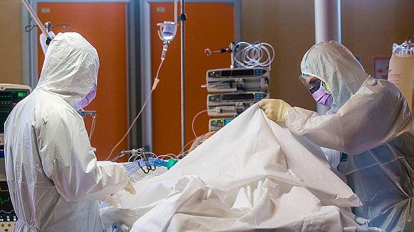 Ιταλία - COVID-19: 683 νέοι θάνατοι - 5.210 κρούσματα, 74.386 συνολικά