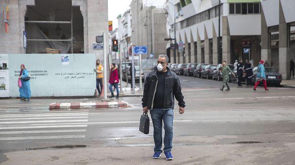فيروس كورونا يؤزم أوضاع ملايين المتوقفين عن العمل ببلدان المغرب الكبير