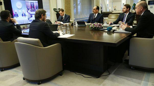 Erdoğan, Koronavirüs Bilim Kurulu Toplantısına video konferansla katıldı