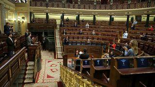 Spanyolország háborúban áll a koronavírussal