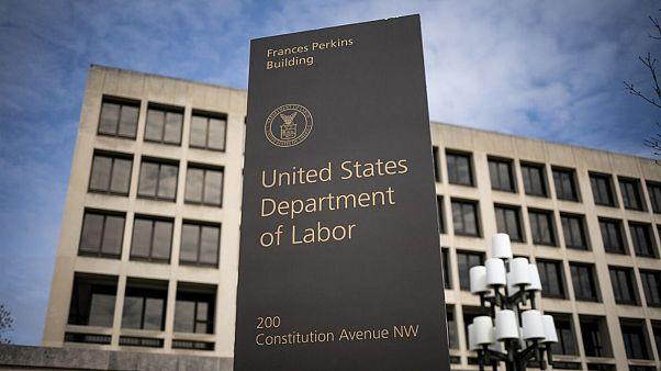 تنها در یک هفته بیش از سه میلیون آمریکایی فرم بیکاری پر کردند
