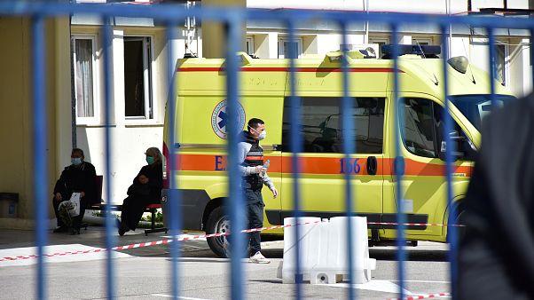 COVID-19: Στους 25 ανήλθε ο αριθμός των νεκρών στην Ελλάδα